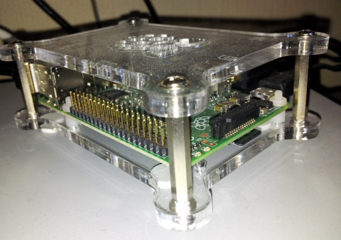 Raspberry Pi 2 in transparent case