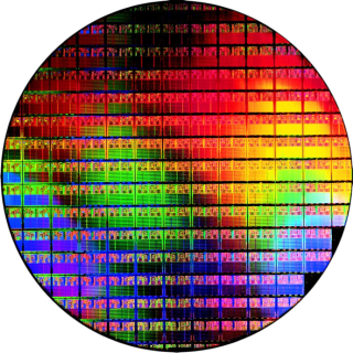Silicon Wafer - Image: GamersNexus.Net